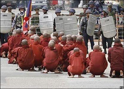 _44141329_monks_416_ap